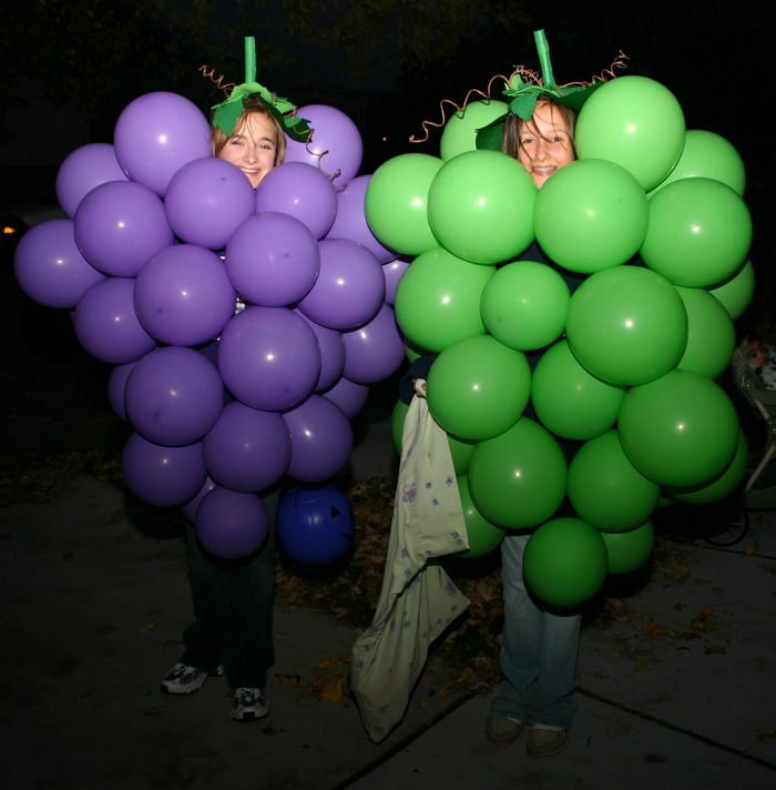Grape-costume-DIY-halloween-ideas