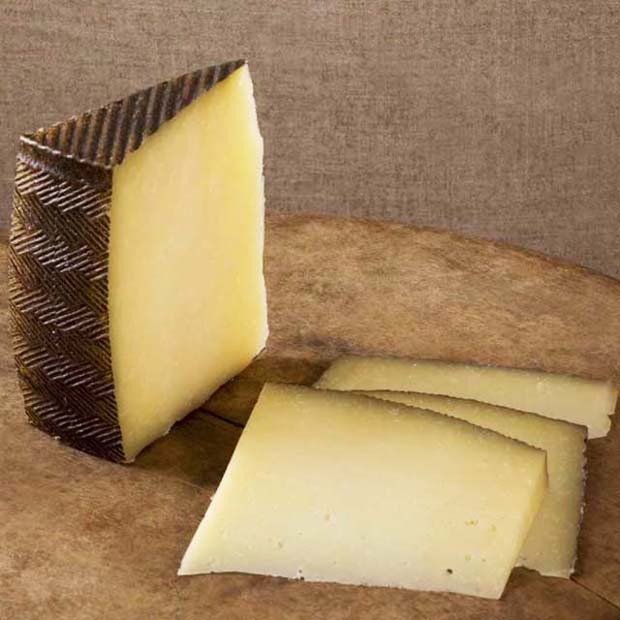 Manchego Curado Cheese-Manchego Semicurado cheese-Queso de Murcia Al Vino-Cabrales Cheese-spanish food in the 21st century-foods from spain-instituto cervantes-blanca valencia-quesos-spain-spanish cuisine -Garrotxa Cheese-mahon cheese-majorero cheese-